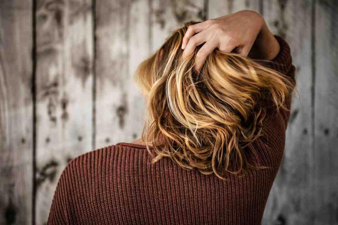 Comment éliminer un mal de tête grâce à un massage